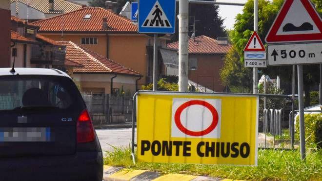 La chiusura del ponte San Michele