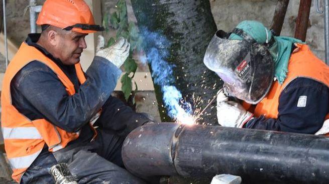 Lavori di riparazione di un acquedotto