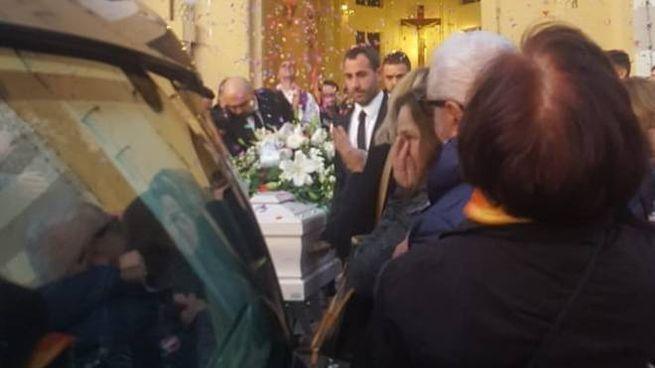 Calcinelli, il funerale di Patrick Ceccomarini