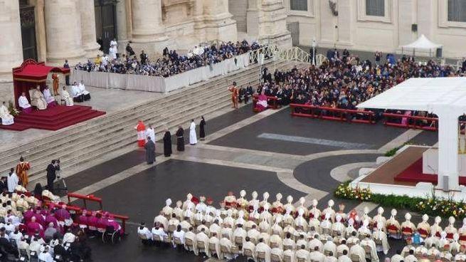 La cerimonia solenne in Vaticano