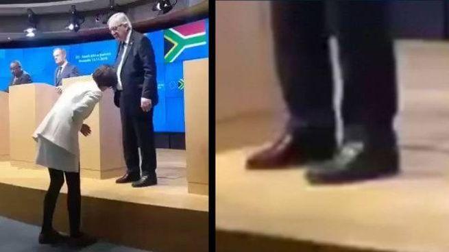 Juncker e le scarpe che sembrano di colore diverso (Twitter)