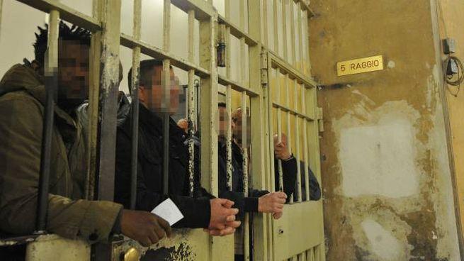 Detenuti a San Vittore (Newpress)