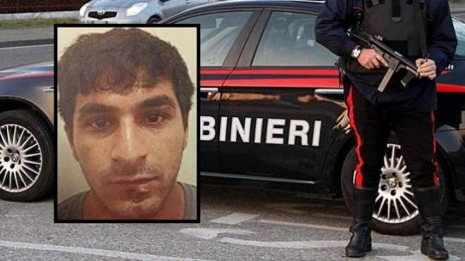Carabinieri e, nel riquadro, Arnaut Mustafa