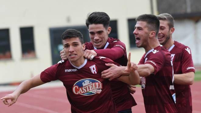 L'esultanza della Reggiana nel match contro il Sasso Marconi (FotoSchicchi)