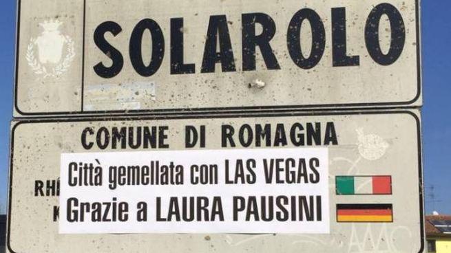 Il cartello all'ingresso di Solarolo