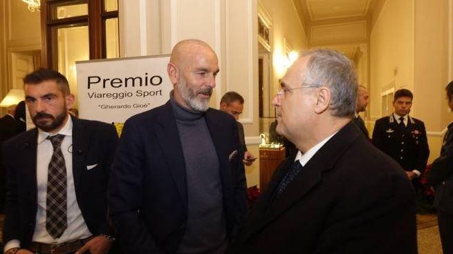 Stefano Pioli ha ricevuto il premio Viareggio Sport. Nella foto è con Claudio Lotito