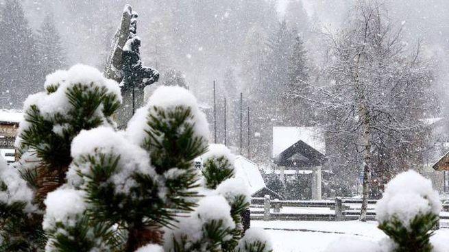 Previsioni meteo, neve sulle Alpi. Foto: Madonna di Campiglio il 19 novembre (Ansa)