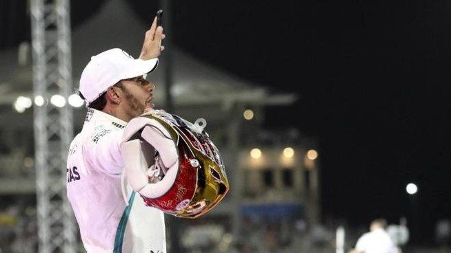 Lewis Hamilton vince anche la gara di Abu Dhabi (Ansa)