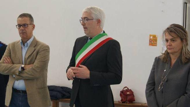 Il presidente della Fondazione Luca Iozzelli, il sindaco Alessio Torrigiani e la dirigente scolastica Rossella Quirini