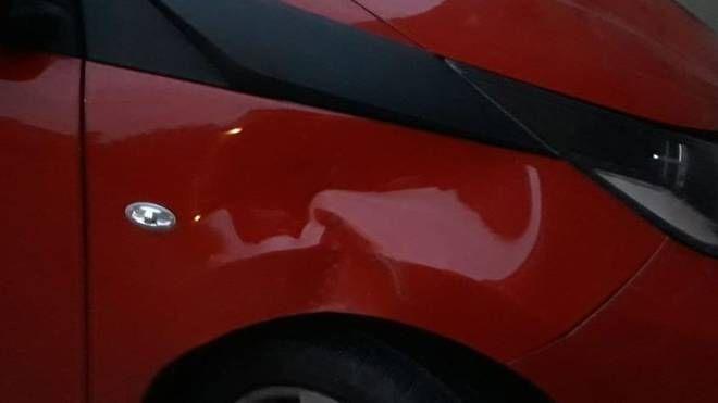 Una delle auto danneggiate di recente