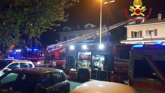 L'intervento dei vigili del fuoco a Buccinasco
