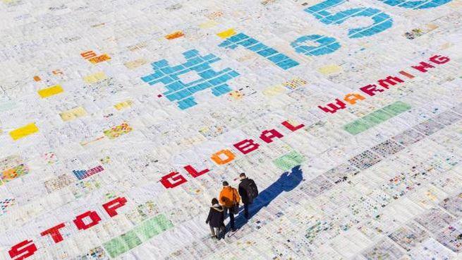 Ghiacciaio dell'Aletsch, maxi cartolina contro il cambiamento climatico (Ansa)