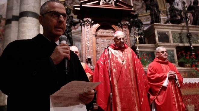 Il rettore del Magistrato con l'arcivescovo di Siena