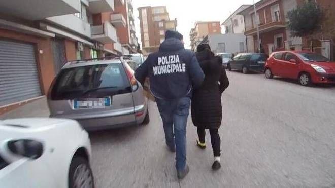 Ancona,  centro massaggi a luci rosse