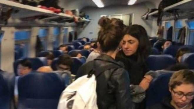 I pendolari di Castelfiorentino segnalano problemi sulla linea (foto di repertorio)