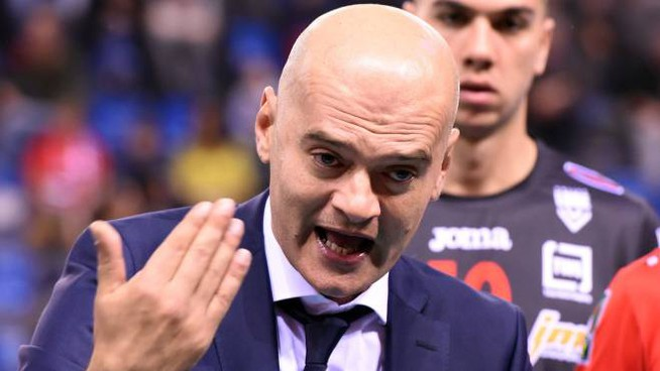 Coach Medei