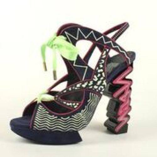 Quando le scarpe fanno sognare. A Venezia una mostra per le donne che amano i tacchi
