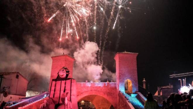 Fuochi d'artificio dal monumentale Trepponti