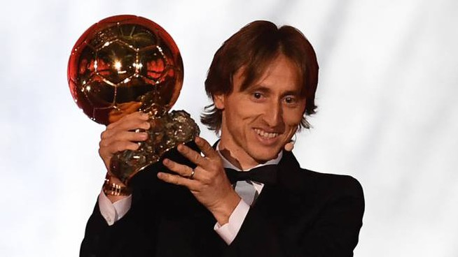 Luka Modric col pallone d'oro 2018 (Lapresse)