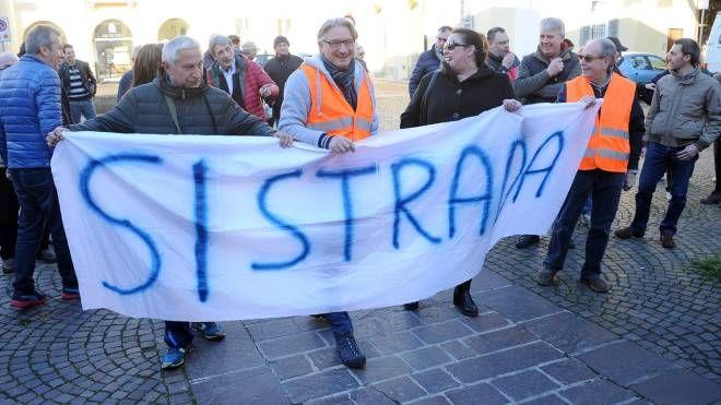 Manifestazione per la superstrada
