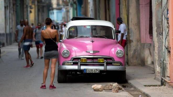 Cuba, ultima nazione raggiunta da Internet mobile (Ansa)