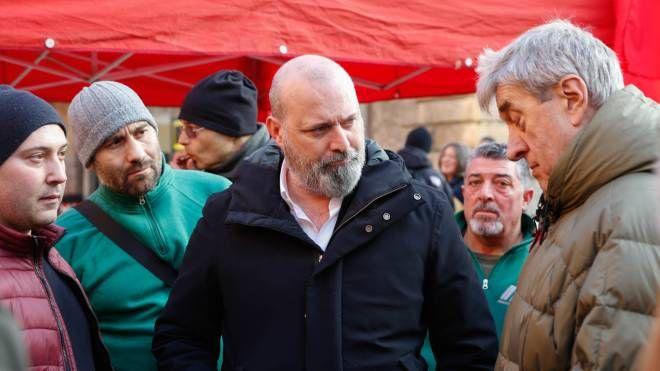Bologna, Bonaccini al presidio dei lavoratori ex Bredamenarini (FotoSchicchi)