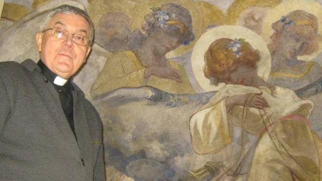 Il parroco don Piergiorgio Farina