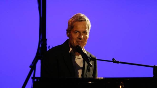 Il cantante Claudio Baglioni alla festa della Chimica (foto di Valtriani)