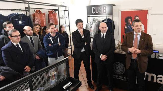 Taglio del nastro allo store Unibo a Bologna (FotoSchicchi)