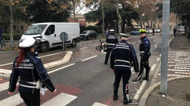 Incidente in centro a Imola, grave un 17enne (Isolapress)