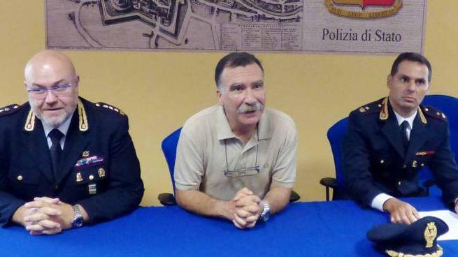 La conferenza stampa della polizia