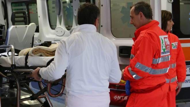 I medici del 118 quando hanno visto le condizioni in cui versava l'uomo hanno deciso il ricovero a Padova