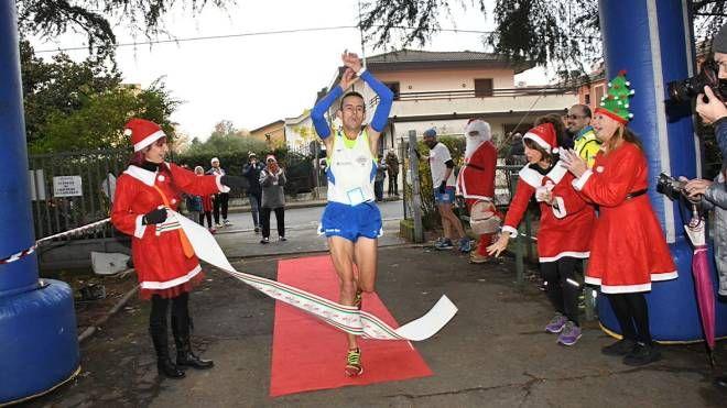 Corsa di Babbo Natale (foto Regalami un sorriso onlus)