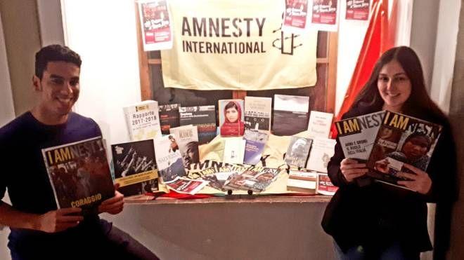 Alcuni dei libri dedicati al tema dei diritti umani