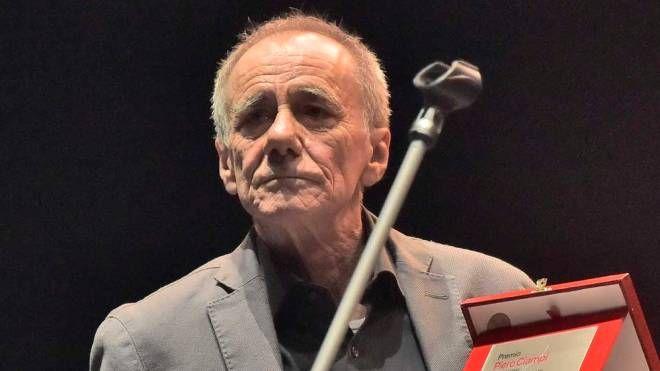 Roberto Vecchioni ha ammaliato il pubblico del premio Ciampi (foto Novi)