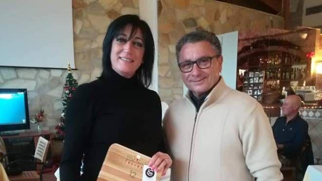 Mariella Cerboneschi con Salvatore Rotella, presidente del Golf Club Toscana