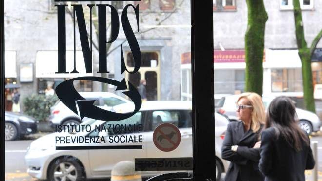 Una sede dell'Inps (Newpress)