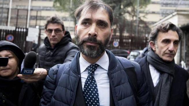 Raffaele Marra, ex braccio destro della sindaca Raggi esce dal tribunale di Roma (Ansa)