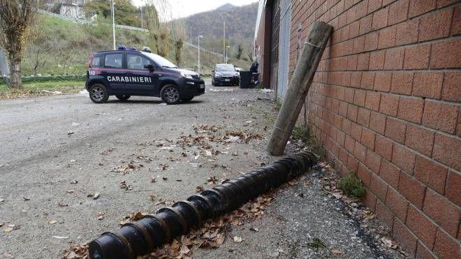 Incidente mortale sul lavoro in una ditta a Cantagallo (foto Attalmi)