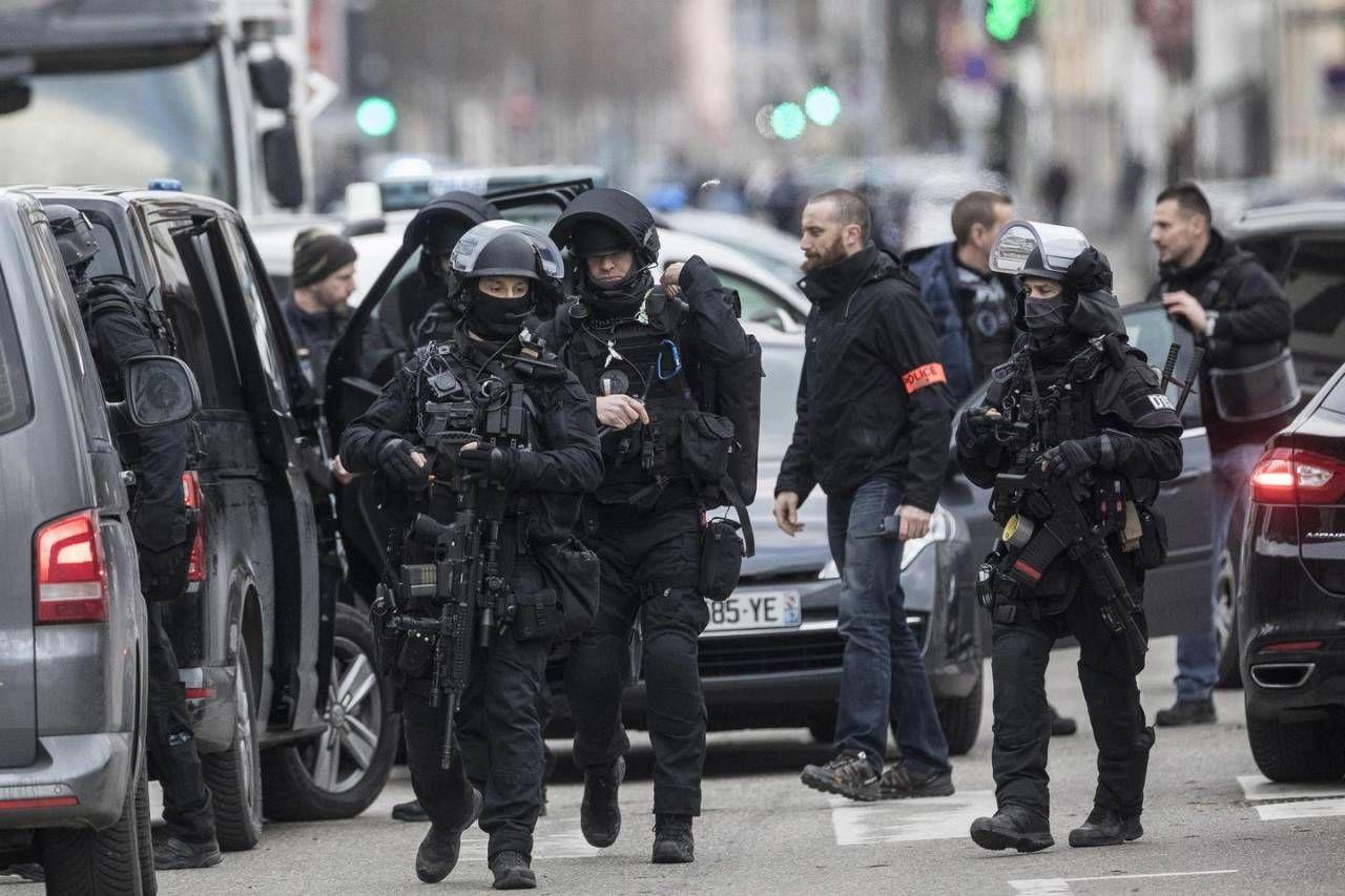 Strasburgo, blitz di polizia a Neudorf. E' il quartiere di Cherif Chekatt