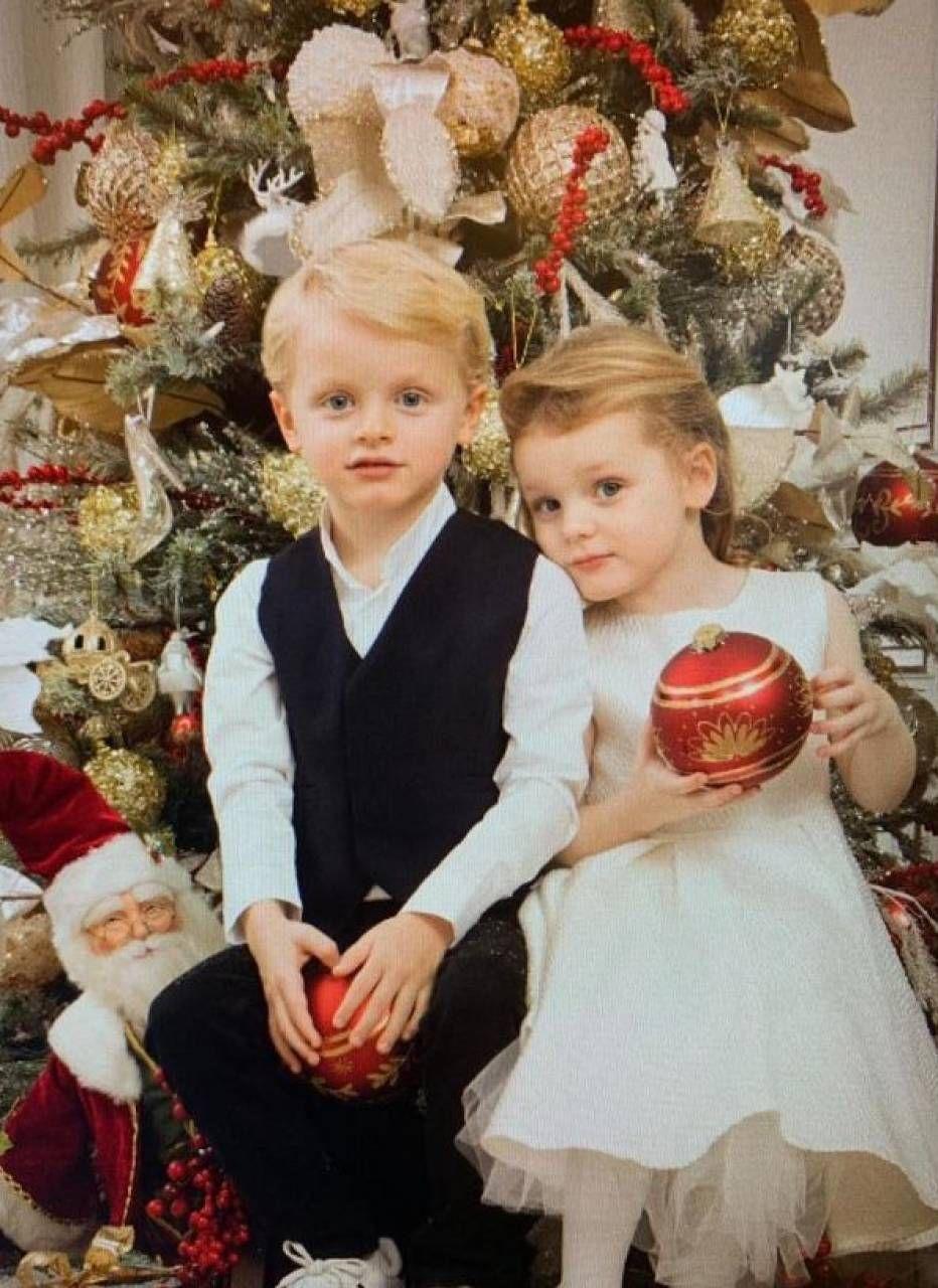 Foto Natale Famiglia Reale Inglese 1990.Cartoline D Auguri A Natale La Nuova Moda Dei Reali Esteri Quotidiano Net