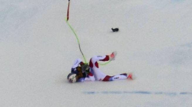 La caduta dello svizzero Marc Gisin in Val Gardena (Lapresse)