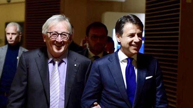 Juncker e Conte (Ansa)