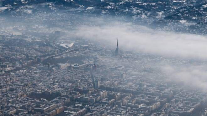 Meteo, smog e inquinamento dell'aria. Nella foto Torino (foto iStock)