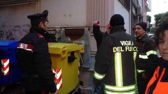 Una bomba carta esplode a Civitanova, sul posto carabinieri e vigili del fuoco (Pacetti)
