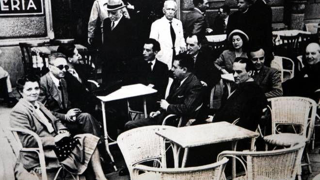 Una foto storica delle Giubbe Rosse