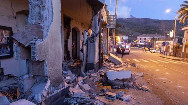 Terremoto in Sicilia, crolli a Fleri (Ansa)