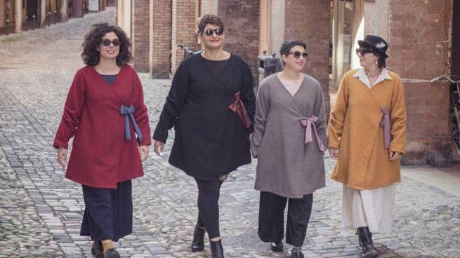 La collezione 'Azdore'. La terza da sinistra è Valentina Amoroso
