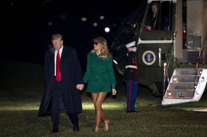 Melania Trump, il look inganna. La minigonna è un'illusione ottica