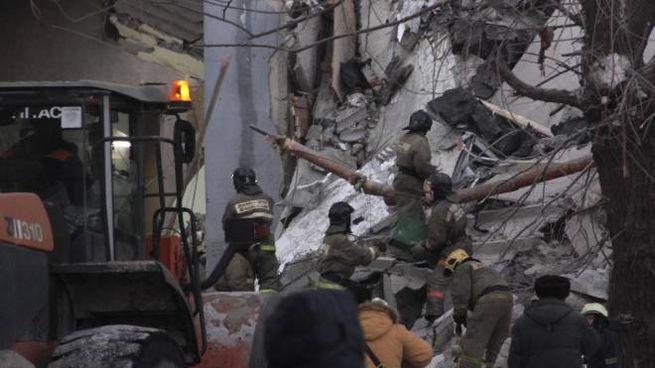 Russia: esplosione dopo fuga di gas, si contano 79 feriti